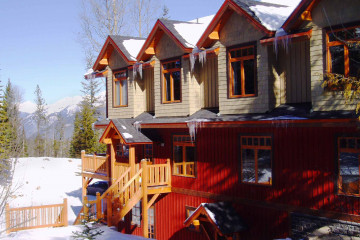 British-Columbia/Kicking Horse/Copper Horse Lodge/YGNCH_exterior_003